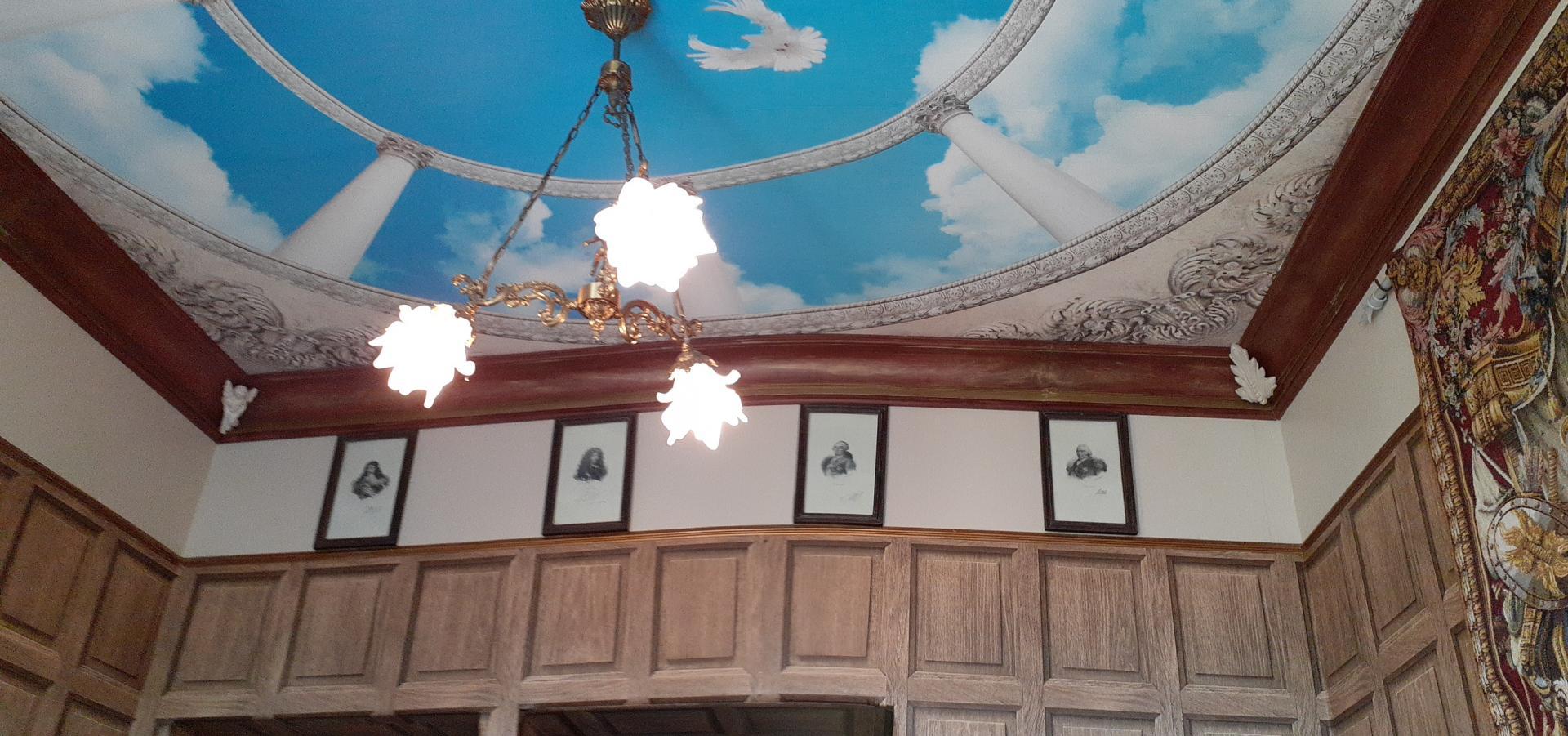 Cabinet travail plafond